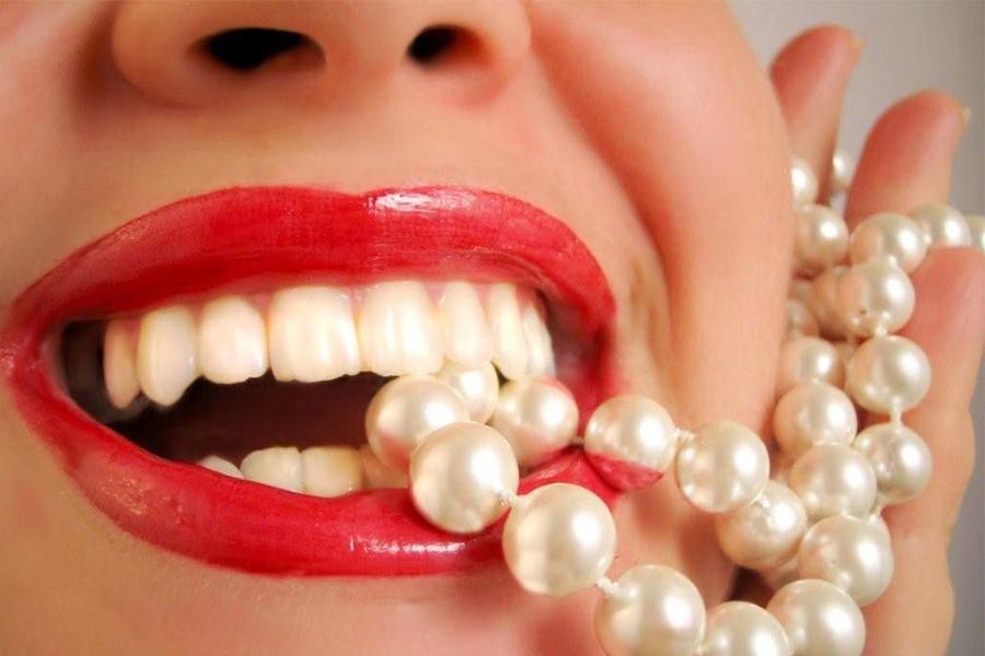 Tuổi Thơ Của Răng Implant